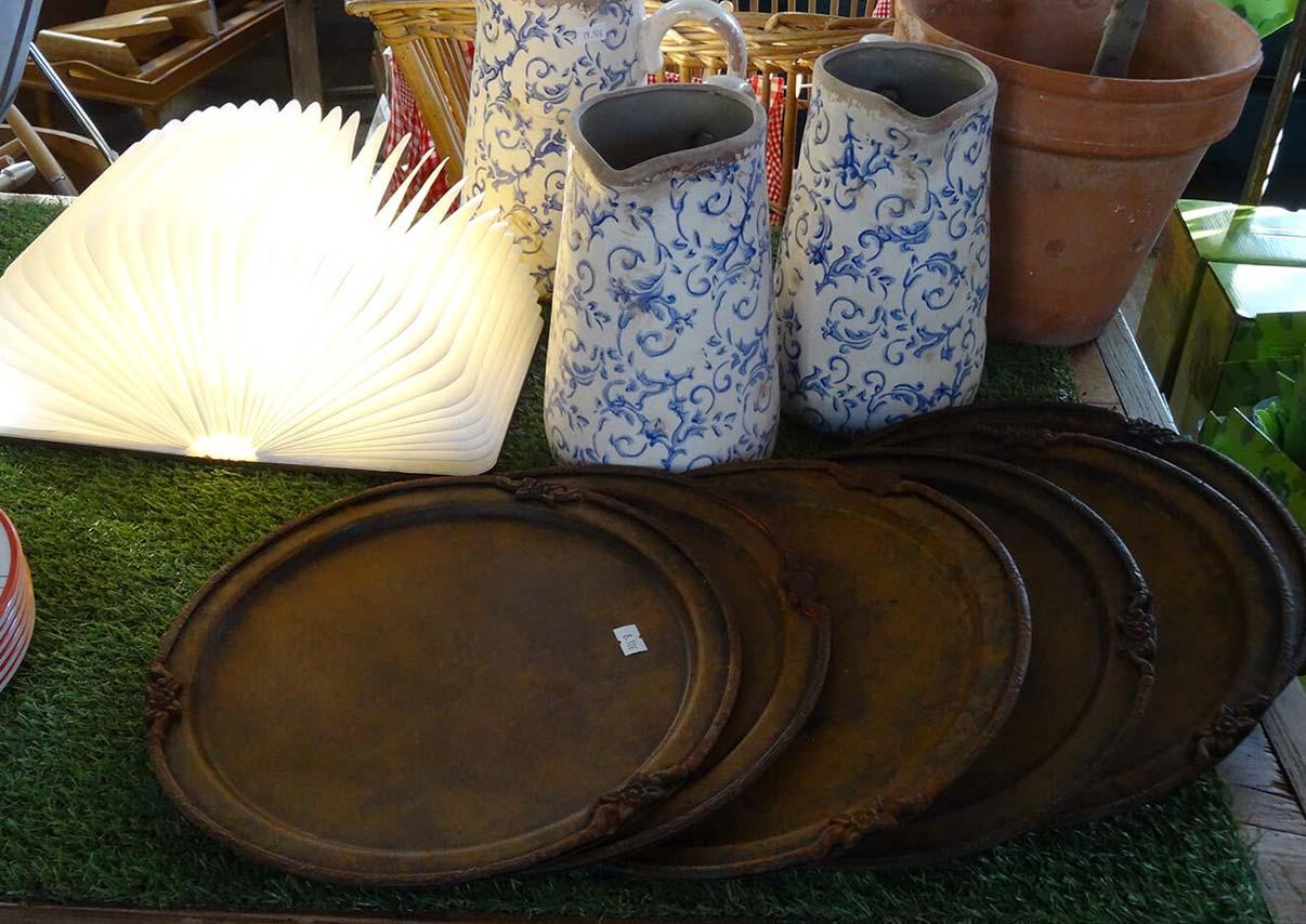 Tablier en cuir (pour le barbecue), Tire bottes en chêne Brosses, Balais en frêne et paille de riz